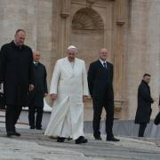 Il Papa scende fra noi