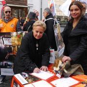 La Senatrice Silvana Amati firma la petizione LAV