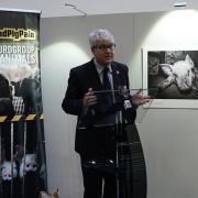 #ENDPIGPAIN - Presentazione Mostra Fotografica e VR investigazioni LAV - In foto Roberto Bennati Vice Presidente LAV