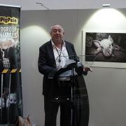 #ENDPIGPAIN - Presentazione Mostra Fotografica e VR investigazioni LAV - In foto Keith Taylor MEP