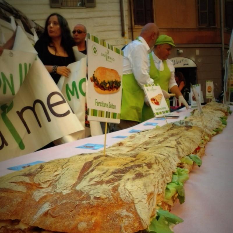 Il panino vegan più grande del mondo