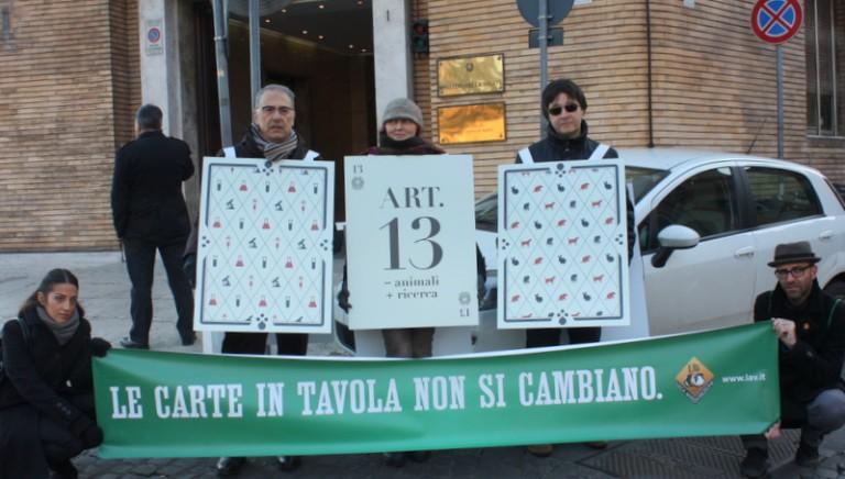 Vivisezione, tre carte (di protesta) al Ministero della Salute
