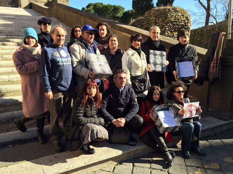 Presentate oltre 10.000 firme contro le Botticelle Romane
