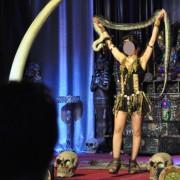 2015 - Serpente manipolato e esposto al pubblico