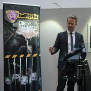 #ENDPIGPAIN - Presentazione Mostra Fotografica e VR investigazioni LAV - In foto Jeppe Kofod MEP