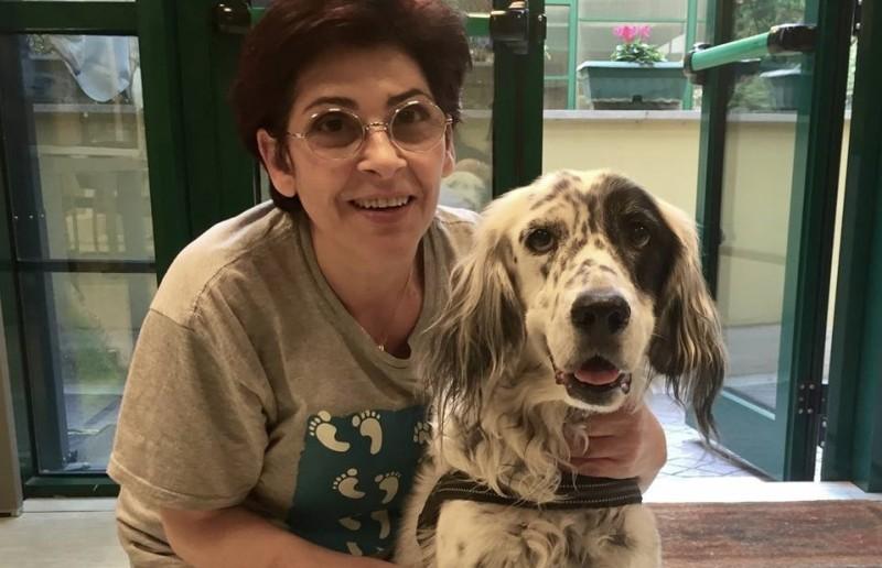 Cucciola e la Signora Anna, protagoniste del primo caso in Italia di permesso retribuito per la cura di un animale domestico