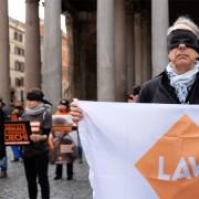 Il presidente LAV durante il flashmob al Pantheon