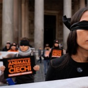 Michela Kuan durante il flashmob LAV al Pantheon
