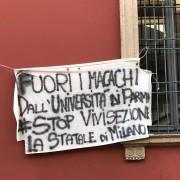 Uno striscione a Milano