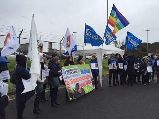 LAV Roma manifesta per salvare i MACACHI del centro Enea/CNR