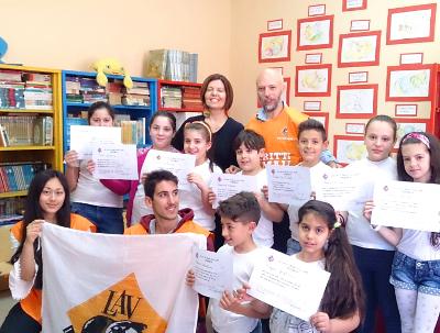 Cerimonia di premiazione presso la scuola elementare villa fleurent (napoli)