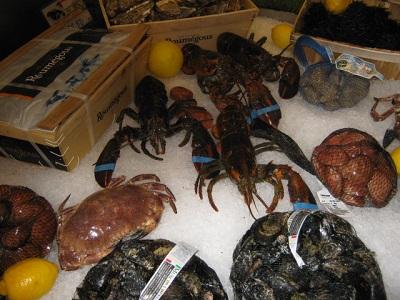Sequestrati quattro astici e due granchi in un ristorante- pescheria in centro Monza
