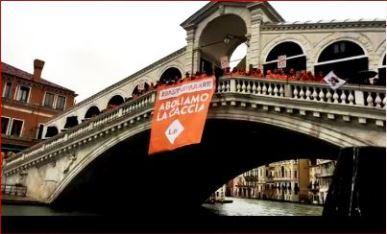 LAV Firenze a Venezia contro la caccia #BASTASPARARE
