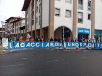 LAV Firenze manifesta nuovamente davanti a Decathlon