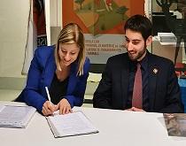 La candidata-Presidente della Regione Lazio Roberta Lombardi del M5S ha firmato integralmente il programma animalista LAV